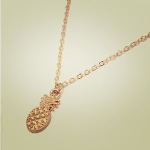 Jewelry - 50% off🕊•Dainty•Hawaiian Babe Necklace •••>